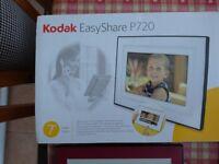 KODAK Easy Share P720 digital photo frame