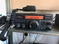 Yaesu FT-840 Ham radio transceiver. Excellent condition includes FM addon board. Good working order