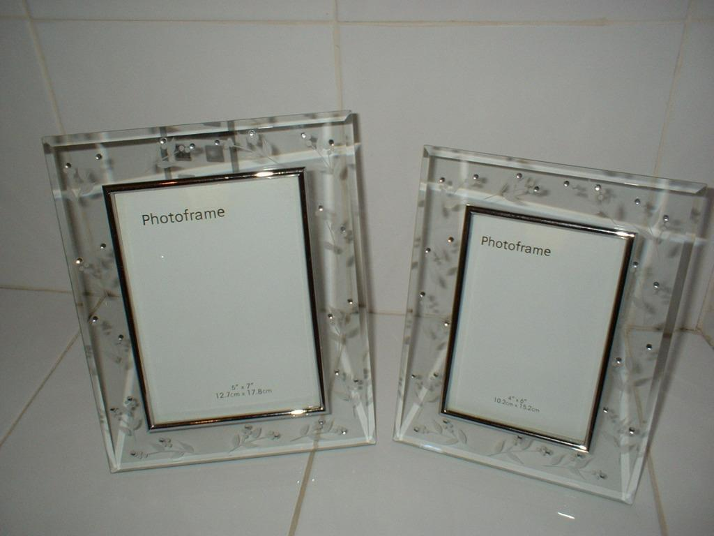 2 GLASS BHS PHOTO FRAMES TO SUIT 7\