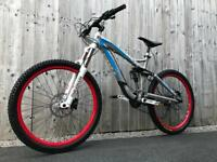 Trek Scratch Air 8 full Suspension Enduro/Downhill Bike, LIKE NEW, HIGH SPEC, FOX, REVERB
