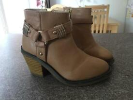 Stunning Girls River Island Boots