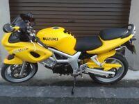 Suzuki SV650 S motor bike for sale, low mileage plus extras, long MOT, great bike