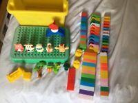 2 sets of building blocks