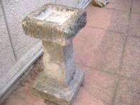heavy ornate stone bird bath appox 2.5 ft tall