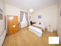 2 Double Rooms available just 5 minutes walk from Queens!!! All Bills Included!!!