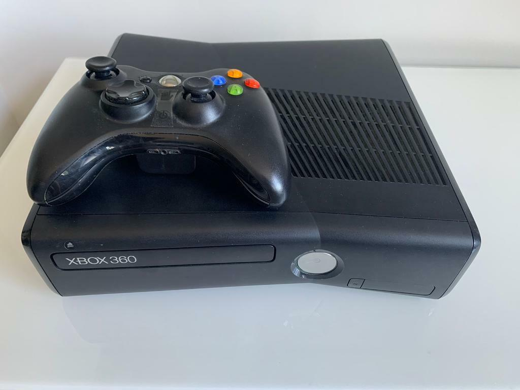 Xbox 360 S Console Wireless Controller 2games In Chelsea London Gumtree
