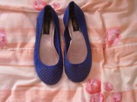Blue real suede studded pumps ( New look) size 5 (38) new