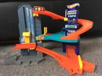 Small hot wheels garage with lift