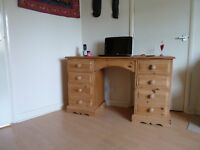 Vintage Solid Pine Twin Pedestal 8 Drawer Kneehole Dressing Table / Desk with 8 Dovetail Drawers