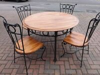 LOVELY GARDEN PATIO TABLE AND CHAIRS