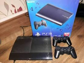 Ps3 super slim + 2 official controller