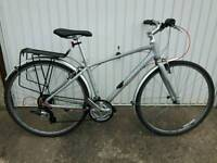 Giant Escape, Modern Hybrid Bicycle in Excellent Condition, Sold by a Qualified Technician.