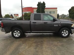 2016 Ram 1500 ST/ PRICED FOR AN IMMEDIATE SALE/ LOW, LOW KMS!! Kitchener / Waterloo Kitchener Area image 9