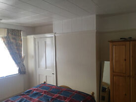 **** AVAILABLE NOW **** RENT ROOM ALL INCLUSIVE - SOUGHT AFTER - RICHMOND/ TWICKENHAM/ CHISWICK