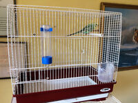 Bird cage.Very good condition. Perfect for a budgies or smaller birds.