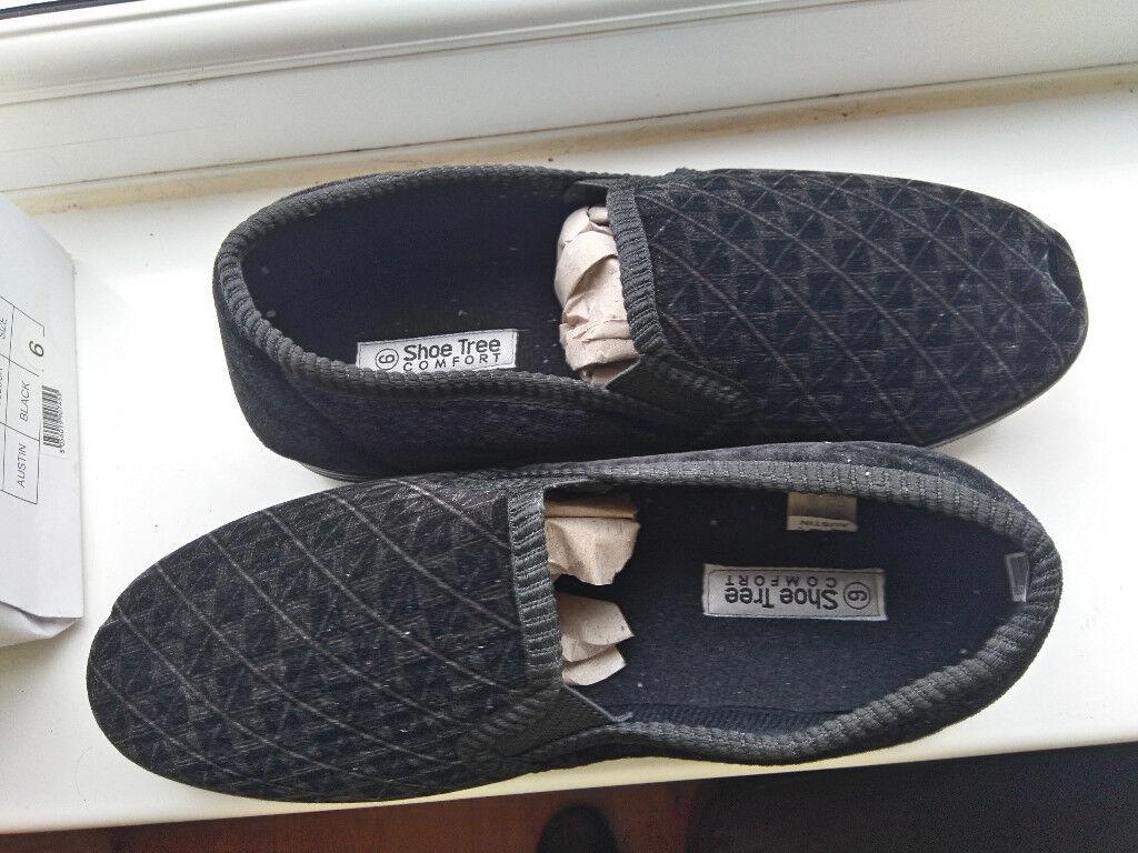 Black mens slippers, UK size 6 , EU 39, new in box