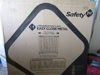 U pressure fit safety gate As new in box