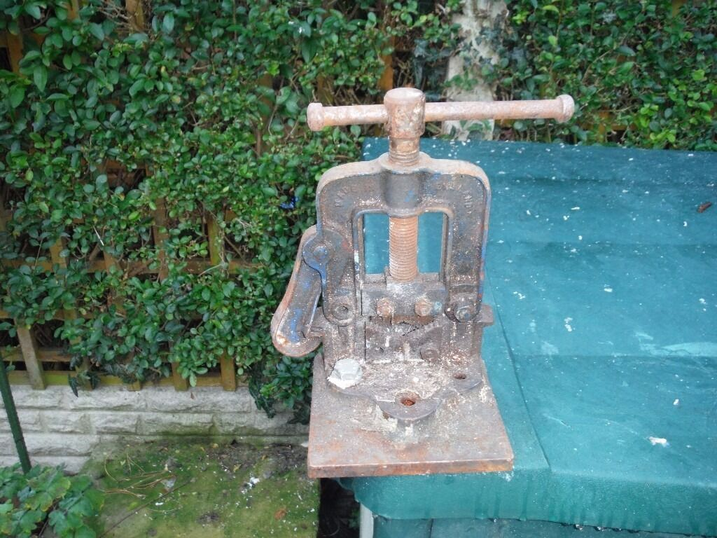 Pipe Vice 2""