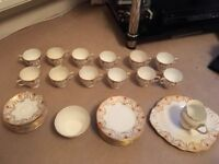 BONE CHINA SALISBURY TEA SET 12 PIECE GOLD LEAF EXCELLENT CONDITION