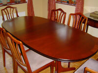 Beautiful Mahogony Dining Table And Six Chairs, Totally Unmarked