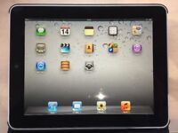 iPad 1st Generation excellent condition, no marks anywhere, works perfectly. With leather case