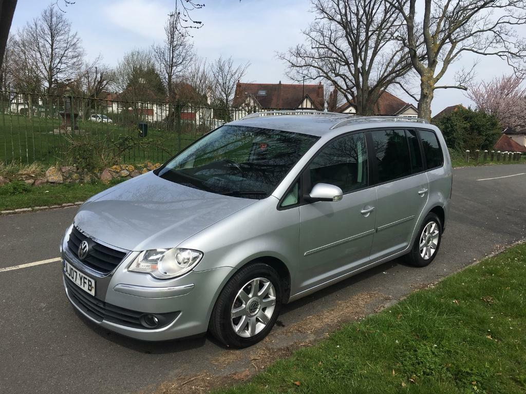volkswagen touran 2007 2 0 tdi 140hp 7 seater in. Black Bedroom Furniture Sets. Home Design Ideas