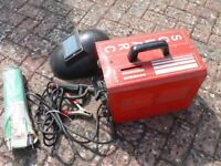 "ARC WELDER ""SOLARC"" 140AMP COMPLETE WITTH HELMET AND SOME WELDING RODS"