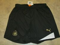 OFFICIAL NEWCASTLE UNITED NUFC HOME FOOTBALL SHORTS 2011-2012 SEASON - SIZE XXL
