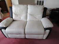 2 SEATER RECLINER LEATHER SETTEE