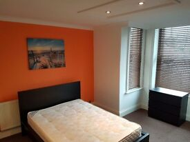 Large Double Rooms available in Springbourne