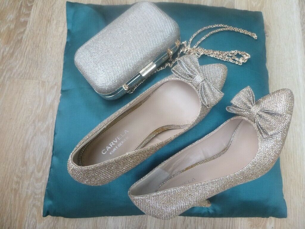 bd95685adce1 Carvela by Kurt Geiger. Brand new and boxed. Court shoe with classy bow.  Size 5. 3 ½ inch heel.