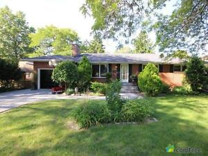 $299,000 - Bungalow for sale in Windsor