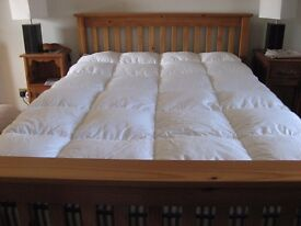 Down and feather Double Mattress Topper