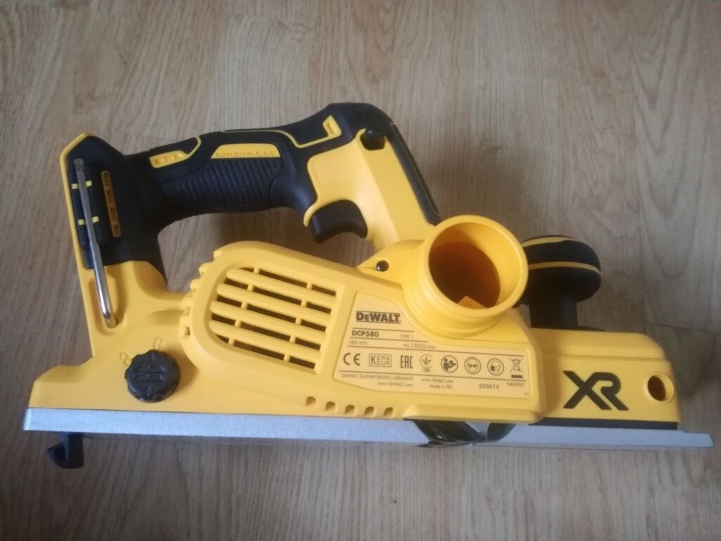 DeWalt DCP580 18V XR Cordless Brushless Planer - 5 0 mAh battery included |  in Leicester, Leicestershire | Gumtree