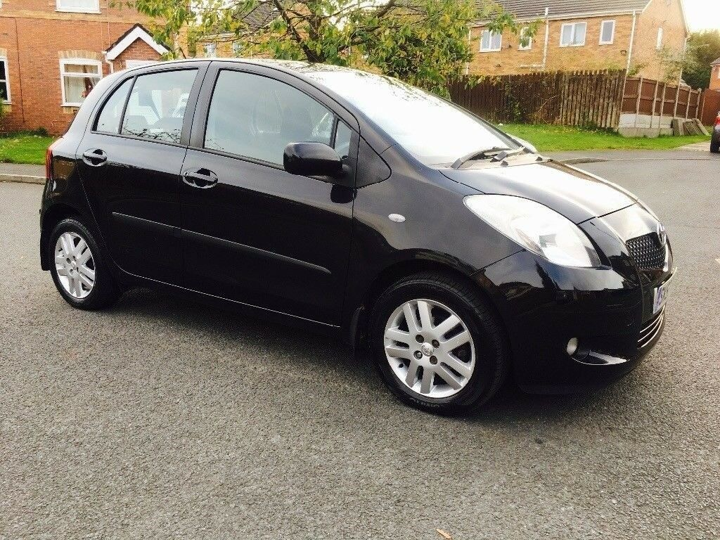 2007 Toyota Yaris T3 1 3 Petrol 2sz Fe Manual In Black Breaking Vehicle For Parts Spares