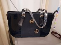 Brand new, women handbags and Purses for sale, Different sizes and colours available!