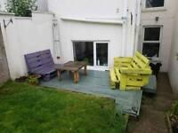 Free pallet furniture