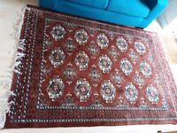 Beautiful Indian Rug in very good condition (155cm x 220cm = 61inch x 87inch)