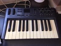 Oxygen 25 MIDI keyboard