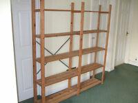 Pine shelf unit comprising 5 shelves.