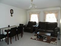 Short Term Private Letting - 1 Bedroom Furnished Maisonette Flat, 3 Mins to Station, Pvt Parking.