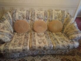 Sofa and 2 armchairs suite