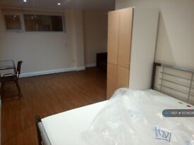 1 bedroom in Market Place, Stoke-On-Trent, ST6 (#1074536)