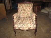 lovely floral easy chair, great condition, very comfortable