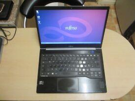 Fujitsu Lifebook U772 i5 with SSD. Keyboard fault