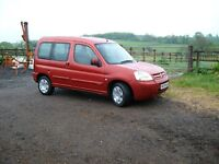 Citroen Berlingo Multispace Forte 5 Door Estate. Low mileage, MOT till Jan18 Wicked Red Metallic.