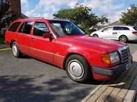 1993 K REG MERCEDES BENZ 220 16V TE ESTATE, AUTOMATIC TRANSMISSION, RARE 7 SEATER, FULL S/HISTORY.