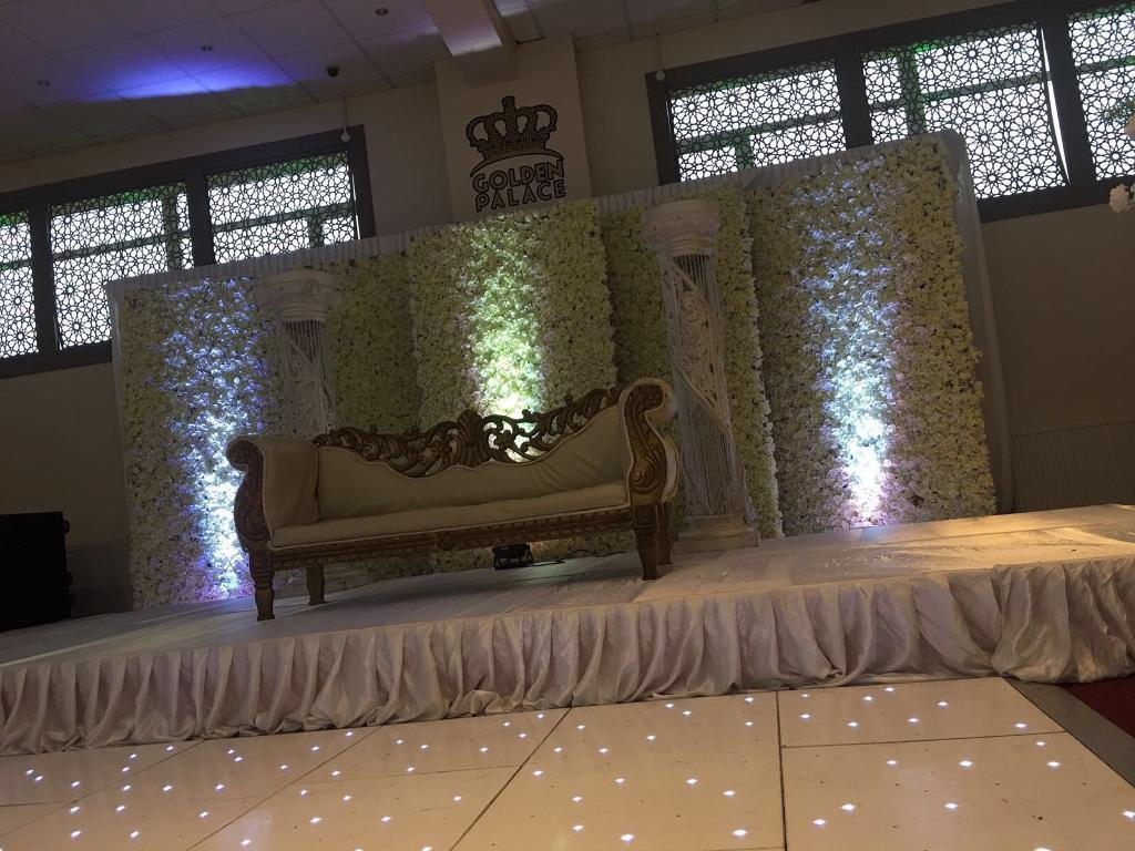 London Wedding Venue from £999 call 02081275400