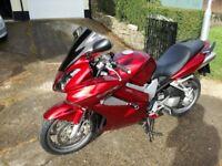 CHERRY RED 2008 HONDA VFR 800 VETEC MOTORCYCLE