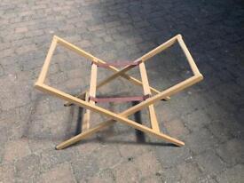 Moses basket stand (no basket)